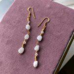Gioia øreringe med Månesten – Moni Sattler
